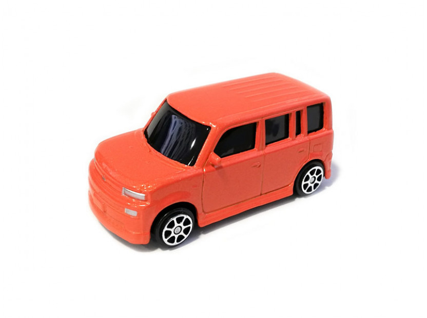 Играчка Maisto Fresh Metal оранжев Scion xB в мащаб 1:72