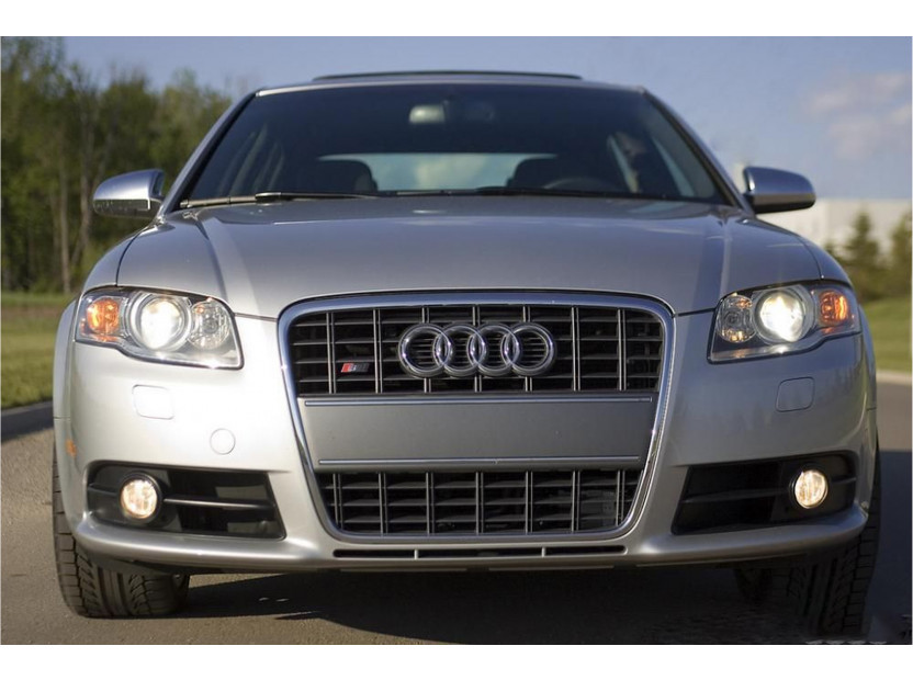 Хром/черна решетка без емблема тип S-line без емблема за Audi A4 B7 седан, комби 2004-2007 без отвори за парктроник, за предна S-line броня 3