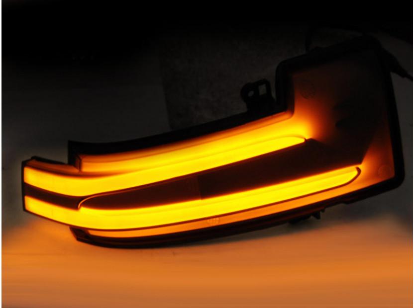 Тунинг LED мигачи за странични огледала на Mercedes G класа W463 2012-2018, ML W166 2011-2015, R класа W251 2010-2017 3