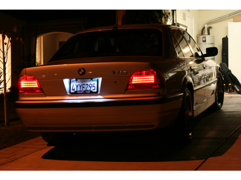 Комплект LED плафони за регистрационен номер за BMW серия 3 E46 седан/комби 1998-2005, ляв и десен 8