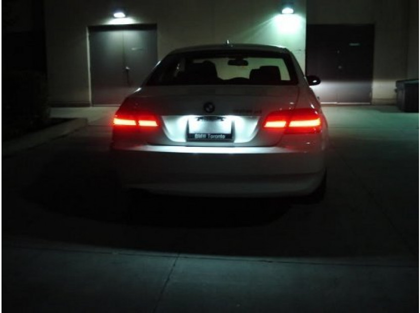 Комплект LED плафони за регистрационен номер за BMW серия 3 E46 седан/комби 1998-2005, ляв и десен 12