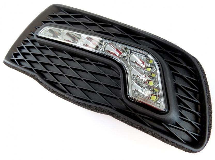 Специфични дневни светлини за Mercedes C класа W204 след 2007 година с черна основа 3
