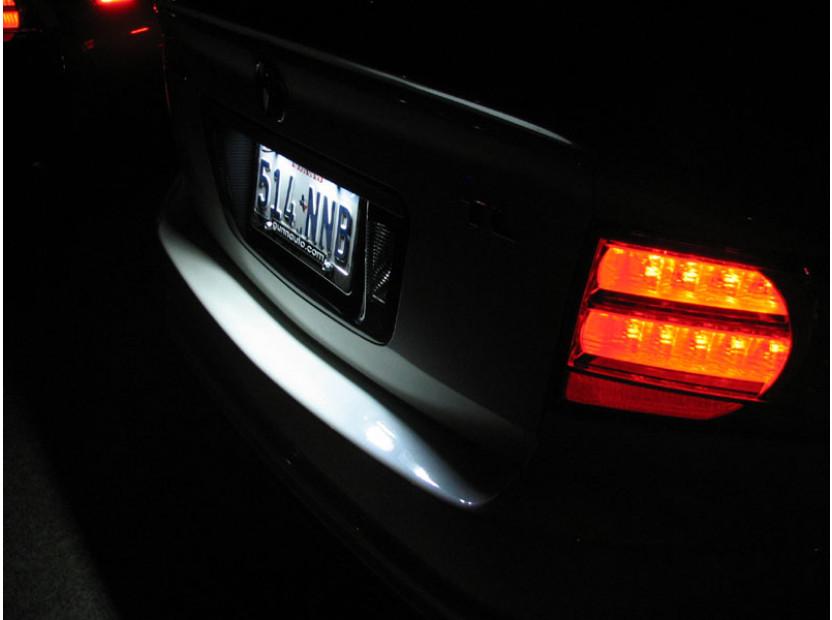 Комплект LED плафони за регистрационен номер за Audi TT,TT Roadster,Volkswagen Golf V,Passat,Touareg,Tiguan,Porsche Cayenne,Cayenne S, ляв и десен 12