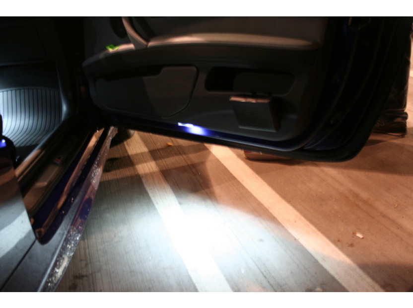 Комплект LED плафони за BMW E81,E82,E87,E88,F20,E90,E91,E92,E93,F30,E60,E61,F10,F11,E63,E64,F01,E84,E83,F25,E70,E71,E85,E86, MINI R50,R52,R53,R55,R57,R60, ляв и десен 7