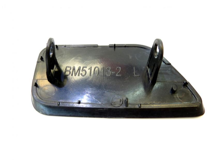 Ляво капаче за пръскалка за предна M technik броня за BMW серия 5 E60/E61 2003-2010 4
